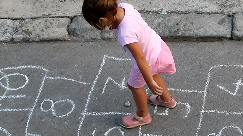 พัฒนาสมองลูกให้เป็นเด็กคิดเป็น